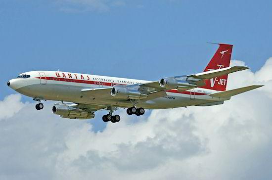 Boeing 707-138B da Qantas