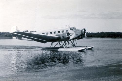 Junkers Ju52/3M com flutuadores