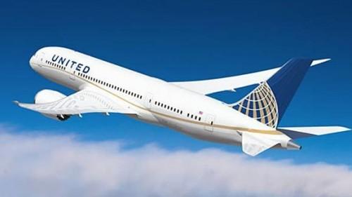 Foto do 787 da United com uma nova pintura