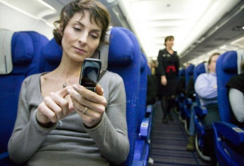 In-Flight-Cell-Phone-Usage-1