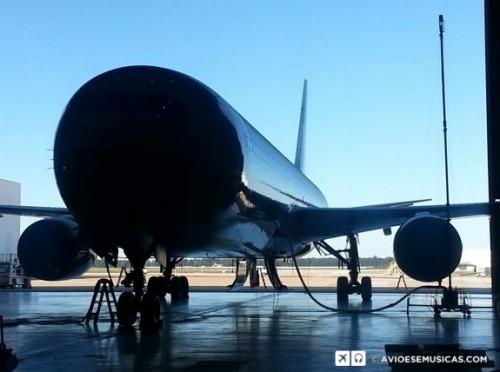 Avião pressurizado com um Delta P de 8 PSI (ou 5.624 quilos/metro quadrado)
