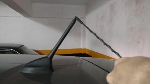 Antena decepada por linha de pipa com cerol